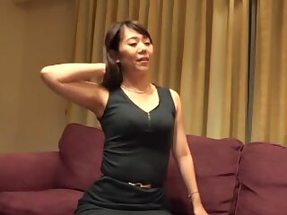 Homemade mediocre video of a Japanese babe having sex with her man