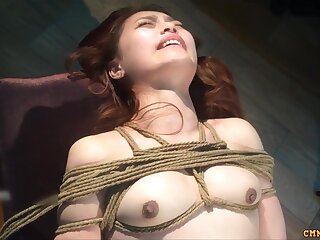 Seductive Chinese Model Outdoor Nude Coupled with Masturbation In BDSM Style