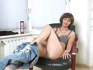 Homemade amateur video be worthwhile for naughty Lisa Xxx playing with her puss