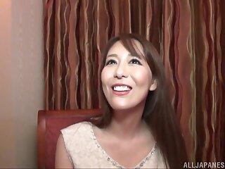 Handsome Japanese girlfriend Akari Asagiri spreads her legs to be charmed