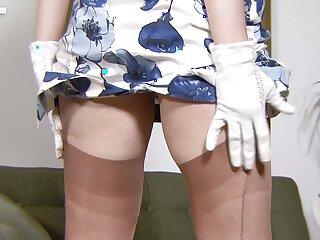 Blondie cougar Katie Kay hot masturbation