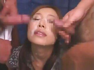 Japanese Girl Gets Bukkake Facial